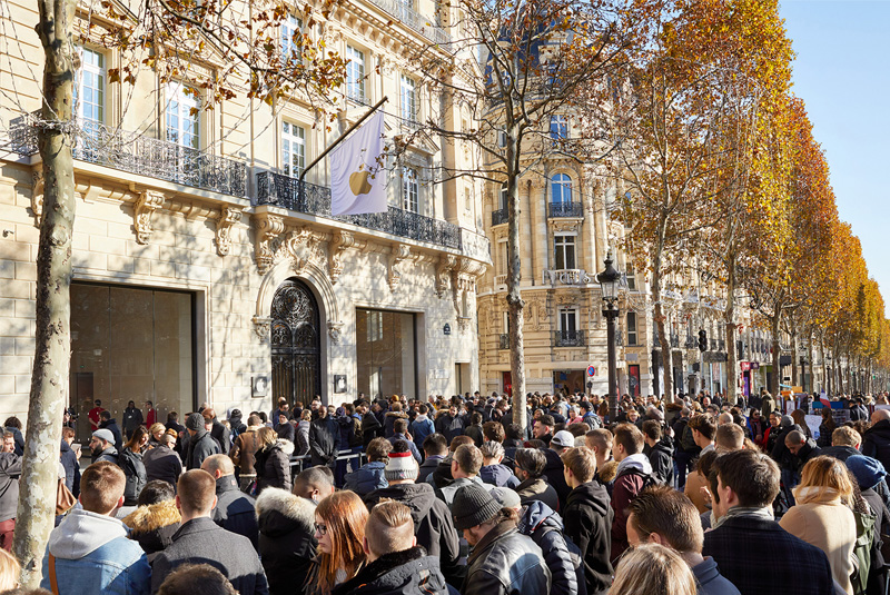 Apple Champs-Élysées  In Parijs Geopend