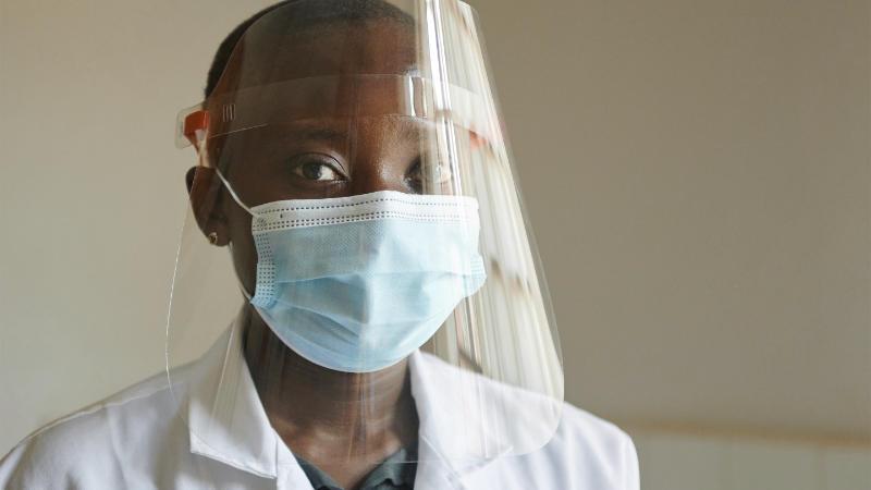 Apple Doneert Persoonlijke Beschermingsmiddelen Aan Zambia
